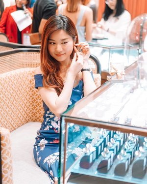 You never really know a woman until you see her jewellery.  Le bijou du jour - Trying my new 14K rose gold @Goldheartjewelry K-Style earrings, bejeweled with brilliant diamonds at the grand opening of Goldheart Jewelry's new concept store, at Tampines Mall, themed