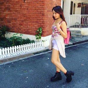 Hot day 🌞 📷: @hazelleong ❤  #NicoleYieOOTD #clozette #ootd