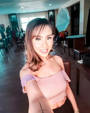 Who this . . . . . . . . . . . . . #iannicolef #clozette @pilipinasootd #pilipinasootd #stylefeedph #bloggerbandfam #stylefeedph #selfie