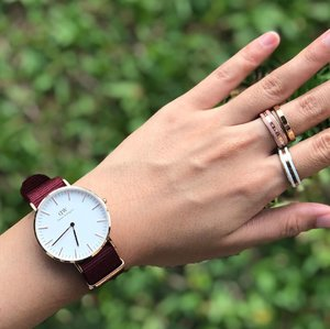 Arm candy c/o @danielwellington! From now till 14th July, quote  to enjoy 15% discount and receive a free strap at www.danielwellington.com or at any of their official retail stores in Singapore and Malaysia.  #amandaADVERTs