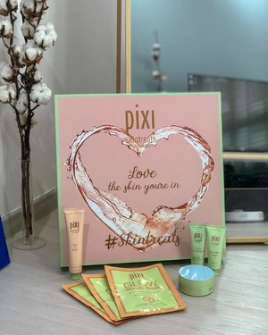 Love from @pixibeauty again. Launching their first mask series where you can look and feel your most gorgeous self in a few fuss free moments. From Glow Mud Mask to Glow Glycolic Boost, what's there not to love about pampering your skin? Head over to @sephorasg now to check them out! #amandaADVERTs #pixibeauty #skintreats