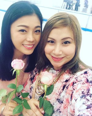 Beautiful roses everywhere at Lancôme event with the babe! #wefie #lancomemy #rosyday #pinkday #clozette