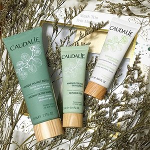 Masking is always a good idea 💚 I'm an avid fan of weekly clay masks especially for their impurity-removing and detoxing properties. Coupled with a peeling mask and hydrating mask, this mask trio from @caudalie is perfect!  #caudalie #clozette #beauty #skincare