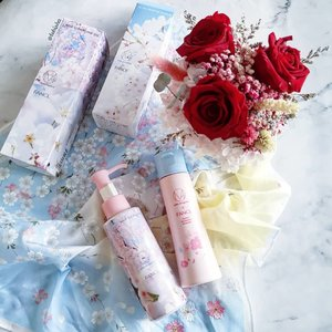 🌸💮Let's welcome Spring with FANCL Limited Edition Sakura MCO Mild Cleansing Oil and Facial Washing Powder. 🌸The 3rd edition of mika ninagawa X FANCL two limited edition designs. 💮Featuring beautiful cherry blossom, ionic of the Japanese spring season dressed on the bottles of its MCO and Facial Washing Powder. 🌸Specially designed by @ninagawamika, this will be the last edition of the series of 3 exclusive designs. 💮Available from March to April (or while stock last) at all @fanclsingapore stores. . . . #fanclsg #fanclsingapore #fancl #mco #mildcleansingoil #washingpowder #cleaningoil #beauty #skincare #beautyjunkie #igbeauty #instabeauty #flatlay #sp #ad #clozette