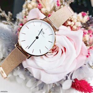 ⌚Time treats everyone equally. Be the master of your time by owning a classic timepiece from @danielwellington Use my code  on www.danielwellington.com for 15% off! #DanielWellington . . . #DanielWellingtonSG #GiftSet #Gifts #ForHer #ForHim #Watches #Timepiece #watch #bracelet #ootd #wiwt #fashion #fashionsg #clozette #ootdsg  #danielwellingtonwatches #ootdsg