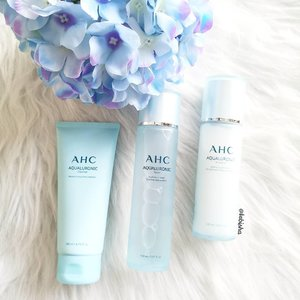 AHC, Korea's most-loved skincare brand has added three new collections to its extensive list of cult-beauty products. 💙 AHC Aqualuronic range: Provides deep hydration and moisture to maintain the skin's optimal moisture balance 💜 AHC The Aesthe range: Powered by Youth Complex – a carefully formulated anti-ageing agent – the Aesthe skincare range is a revitalising solution against premature ageing, suitable for young skin 💚 AHC Minimal 10 range [Exclusive to Watsons]: Contains 10 or less essential natural ingredients to soothe and hydrate even the most sensitive skin. ➡️Swipe Next for the ranges. I'm currently using AHC Aqualuronic range which I love it a lot. Hydration is what I need now for my dehydrated and oily skin. I love the light texture and Hyaluronic Acid safe for my pregnancy skin. ❤️ The AHC Minimal 10, AHC The Aesthe and AHC Aqualuronic ranges are available in stores and on @watsonssg , @lazada_sg , and @shopee_sg 💕Thanks @ahc.official & @mercurysocial for sending the products over. . . #AHCBeauty #AHCsg #kbeauty #koreanbeauty #beauty #skincare #makeup #flatlay #beautyflatlay #clozette #ad #sp