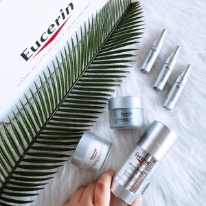 NEW Eucerin® Hyaluron-Filler Overnight Treatment. 💧A single pump of the Overnight Treatment freshly activates and dispenses an ideal balance of AHA Complex and Hyaluronic Acid. (Swipe Next to see the dual) 💧The Hyaluron-Filler Overnight Treatment delivers the following benefits when used daily: 🔹AHA refines skin texture and promotes skin cell renewal 🔹Hyaluronic Acid hydrates skin and plumps up wrinkles 🔹Moisturizes skin and refines pores 🔹For rejuvenated, radiant and smooth skin 💧The Overnight Treatment should be used after cleansing and before moisturiser. 💙 Thank you Eucerin SG and @touchprandevents for sending this over. . . #EucerinSG #Eucerin #Beauty #skincare #HyaluronFillerOvernightTreatment #serum #beautyjunkie #igbeauty #instabeauty #flatlay #sp #ad #clozette #beautycommunity #igbeauty #igmakeup #igsg #sgig #igdaily #instadaily