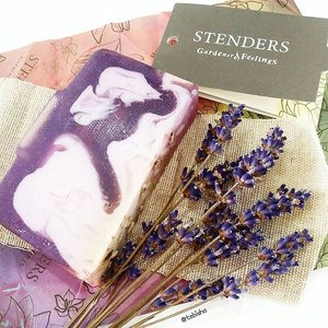 Happy Sunday!!! Last week I got to attend @stenders_sg opening event and get to try out some of their products. Stenders is from Latvia, they are one of the biggest cosmetics producer in Nothern Europe. I'm a sucker for Lavender scent products, @stenderscosmetics has great Lavender scent products which are calming and soothing for skin. Can't resist the heavenly fragrance, I bought the Lavender Cream Soap! Can't wait to shower with my favourite scent and allows me to have a good sleep at night. 💜 #stenderssg #stenders #beauty #clozette #lavender #soap #gardeneroffeelings