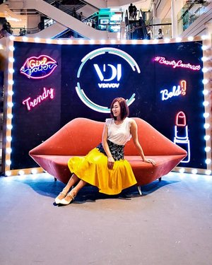 Here's your weekend plan: . After brunch, first stop visit 💛#LoccitaneBeautyMarket at @ion_orchard which I shared 2 posts ago. . Then take 2 stops to @plazasingapura to @thefaceshop_sg #BeautyCentral 💄 for the launch of all new, bold and exciting makeup brand #VDIVOV 💋❤️ Get a makeover with their full range of professional and versatile makeup - stay natural or go bold, it's up to you! Redeem prizes from the class machine, pamper your hands with a free massage, take insta-worthy photos and find out your skin hydration level which exploring all the other brands #TheFaceShopSG has to offer! (Personal recommendations: #belifSG, TFS Triple Eye Palette and #DrBelmeur)⭐️ . After that head up to @moistdianeSG #PerfectBeautyLab at Nex Mall and find out how you can reverse one year's with of hair damage in 30 Seconds with their new BeautyHairMasks! I'll be sharing more about this later 🙌🏻 If you follow this plan, you might catch me along the way 😋 see ya! . . . . #yellowqiyunz #thefaceshop #VDIVOVSG #tfsXqiyunz #styletheory #kbeauty #kbeautylover #koreanbeauty #sgbeauty #sgmakeup #sgshopping #sgweekend #ionorchard #plazasingapura #clozette #singapore