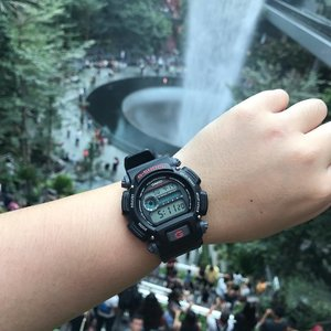 Do you usually wear a watch? . . . . #casio #gshock #jewelthroughmyeyes #jewelchangiairport #watch #clozette