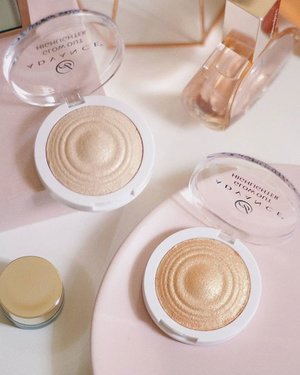 These highlighters are back in stock!  @ebadvance 😍  #ebadvance #everbilena #highlighter #makeupinmanila #makeup #clozette