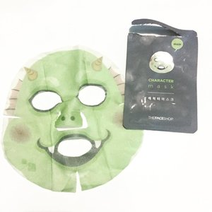 Quick Review: @thefaceshopph Dragon Character Mask: Price: Php 150 🐉 Sheet is too big and like other character masks, it is very thick and heavy on my face. It has a fresh fruity scent and essence has a gel consistency. Will I repurchase? I haven't decided yet because the price is too expensive for a sheet mask unless it is hanbang! #thefaceshop #asianskincare #skincare #sheetfaced #koreanskincare #koreanproducts #skin #skinhealth #skincareroutine #kproducts #rasian #asianbeauty #kbeauty #acneprone #beautyblogger #beauty #skinglow #oilyskin #asianproducts #asiancosmetics #lifestyle #instaskincare #chokchok #rasianbeauty #productreview #clozette