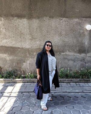 Outfit Multifungsi edisi Liburan #RombonganBesanDepok Pagi pake ke Akad Nikah, Siang buat maen keliling Semarang. Tetep ketje, tetep tjakep, sesuai brief ketua rombongan. Anti kepanasan anti le peque andalanque.  #DinsFlair #OOTD #thebigiladies #CurvyGirl #StylehasnoSize #iGotCurve #StyleisForever #WIWT #Clozette #ClozetteID #TravelStyle #Tourist #SummerStyle
