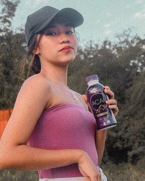 Prioritizing health is so important because I believe that being healthy from the inside shows from the outside! Check out this new organic juice drink that I got from @watsonsph ✨ I love that it's 100% vegan, it's gluten free, and it has no GMOs! #LookGoodFeelGreat #WatsonsPH #BeHealthyInsideAndOut