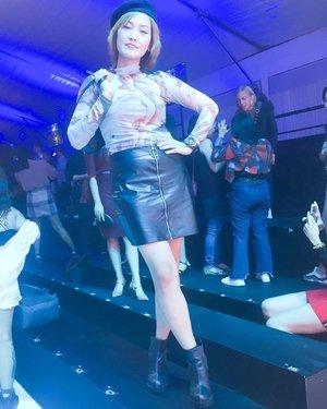 Yeah! #dgaf coz we love fashion so much! Express thyself more in fashion! 🔴🦋Love the fashion week! Watch some of my videos▶️▶️▶️ #cocomanuel #fashion #ootd #ilovefashion #posh #ootn #philippinefashionweek #pmff5 #aspiremore #panasonicmff #pmffanniversary @manilafashionfestival #panasonicmanilafashionweek #clozette #panasoniccelebratelife #manilafashionweek2019
