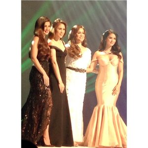 4 inspiring stories from #WorldClassFilipina - @annecurtissmith, Heart Evangelista, Lea Salonga and Toni Gonzada. Thank you, #CreamSilkPH for having #Clozette to this event. There is no dream too big for a Filipina because she is world class.