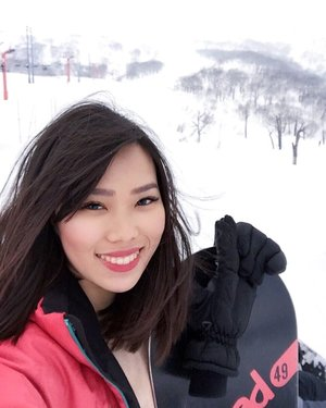 Jeanne Snow ❄️ [Thank you, @ayumi.quezoncity for my lashes! It survived windy Niseko and all my tumbles in the snow. Hahaha! Got some acrobatics going on while I was learning how to snowboard. 🤪] #Clozette #AyumiLashes #AyumiQuezonCity