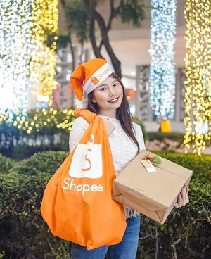 'Tis the season for gift giving and @shopee_ph 11.11 Big Christmas Sale has got you covered! This November 11, take advantage of their all day, sitewide, free shipping with NO minimum spend.  Better yet, use my voucher code SHP11MAEBEL for more discounts. (Valid for first-time users with minimum spend of Php400.) So go to your Shopee app now!🎄🛍🎁 #ShopeePH #ShopeePH1111 #ShoppeeBigChristmasSale 📸: @mjiddaro