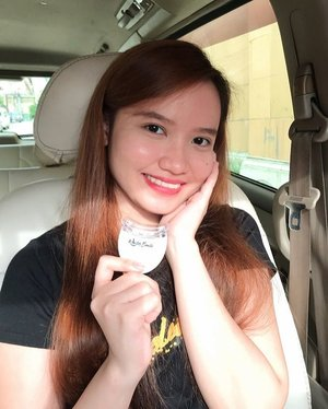 Shy smile no more. I'm gonna flaunt those white teeth. Big thanks to @whitersmileph home teeth whitening kit. 🦷  Read about it on my blog! (link in bio) First 20 buyers can use my promo code REACALINGO for a 10% discount through their site:https://whiter-smile-ph.myshopify.com/ #clozette #bloggerxph