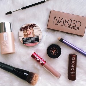 Tuesday's Makeup knick-knacks!