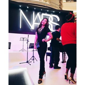 Don't mind Santa, she's just visiting the launch of #narsklcc as well! * * * Jumpsuit #loveandbravery Hair extensions #irresistiblegram Statement Necklace #thelulubox Bag #topshopmalaysia from #zaloramy  Shoes @thezaloralabel * * * Pic: @bella.52  #narsmalaysia #narscosmetics #narsissist #klcc #OOTD #clozette #fashionista #fashionblogger #fbloggers #fblogger #beautyblogger #bblogger #bbloggers