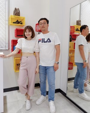Telepathy? ❤️😜 Unplanned outfit, we both happen to be in white TOP and what's more ?! We both picked a pair of White Shoes ❤️ Visit @melissashoessg  new store @313somerset for Instagramable worthy spot and check out the new collection ☝🏻 #clozette  #melissashoes  #melissasshoessg  #couplegoals