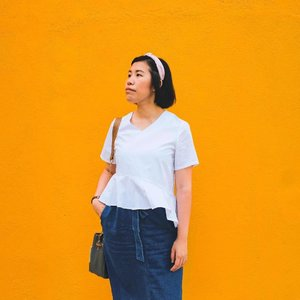 My recent #ootd shot all thanks to my cousin. Haha! 😂😂 It has been 3 months since I did HIFU Treatment with @drkellyshiau from @luxmedical. I feel that my skin is tighter and my face is more V-looking now!! This is a good alternative treatment to going under the knife. The results will last for 9-12 months and depending on individual. Read more about the treatment on my blog or visit Lux Aesthetic Clinic website for more information. You can also contact them at +65 6815 9922 or consult@luxaestheticclinic.com! #hzproductreview #hzthoughts #clozette