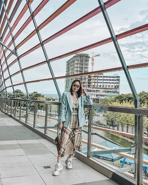 Got dizzy on the ride here but hello Davao! 😎 It's been so long since the last time I was here... can't even remember when it was. What's new here Davao? 🥰 #helloweekend #sheilovesootd #davaocity #clozette