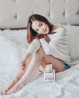 I love waking up in the morning with glowing youthful skin. Thanks to @snailwhitephils SNAILWHITE Gold. Sharing with you guys my updated skincare routine on my blog now. Click link in bio. #sheiloves #snailwhitegold #skincareroutine #clozette