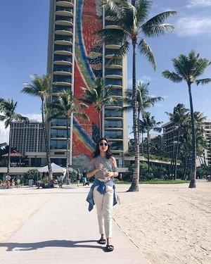 Saturdaze 🌺  #ALOHAliday #SummerInDecember #Clozette #Waikiki #Travel #igdaily #Pilipinasootd