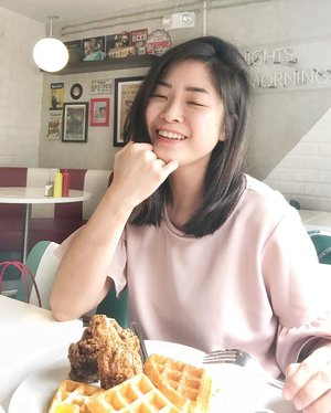 Should focus on work today but Chicken and Waffles is in my mind RN 💕 just coz I'm PMSing! #clozette  #bloggerbandfam