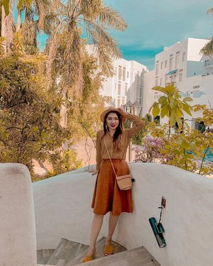 Posting a photo. In an early time manner. Good morning y'all ☀️ 📸 @guntingmaracha . . . #CHIootd #clozette #ootd