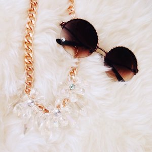In crystals and sunnies ☀️