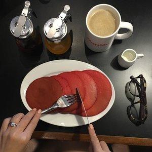 Red velvet pancakes for lunch 😘😘😘 #clozette