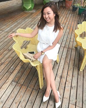 I'm really lovin' this chair! 💛   Photo by @sarmientopaolo 🤓 #JackdawLifestyle