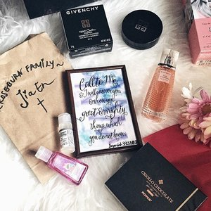 Call to me and I will answer you and show you great and mighty things which you do not know. Jeremiah 33:3 // Thanks Joyce & Jess for the pretty framed verse & Jas for the cute B&BW hand sanitizer from #roseburncg Christmas party! ☺️ Not saving up my Christmas gifts for Boxing Day, those Criollo Orange choc slices are so good! 😋 Haven't tried the Givenchy beauty products yet... But will do soon.✌🏻️#clozette