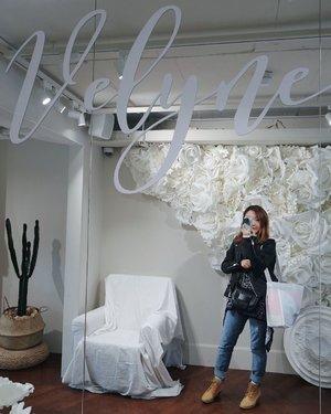 #Velyne #블리네 @ImVely_Official #ImVelyFlagshipStore #ImVely #임블리  #CarenInSeoul #Seoul #SeoulGood #SeoulSearching #CarenInKorea #Korea #VisitKorea #Sangsu #Hongdae #Travel #TravelMadeDifferent #Clozette #Fashion #OOTD
