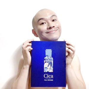 🦁🦁🦁 Cica who? Cica everyone! Who's already a fan of cica and is already using it in your routine for its ultra calming and healing qualities? It is such a versatile medicinal ingredient that you can almost spot it being used in an array of products across different categories. Recently, THEFACESHOP introduced a new addition to their Dr.Belmeur line and oh boy, if you are riddled with inflammation, tired looking skin, weakened skin barrier, acne scars, dryness, and possibly other common skin issues, the newest addition should be one of your consideration! --------------------------------- Dr.Belmeur Cica Peptite Ampoule - a trouble-soothing and repairing ampoule fortified with Centella Asiatica, 3-Peptide Complex, Niacinamide, and a bunch of other great hydrators and soothers. --------------------------------- The Dr.Belmeur line is developed specifically to tackle some skin troubles and conditions. This Cica Peptite is marketed as a skin booster that you can use concurrent with the basic Cica Recovery Serum, or any other serums that you are using (from other brands). It fuses the skin with abundant vitamins and nutrients and allowing your skin to heal itself optimally so that lines, marks, dullness, dryness, inflammation can all be addressed and tackled right from the first step. . This is an exciting launch and I do encourage you to try it at TFS outlets especially if you are dealing with pesky marks and redness. — @thefaceshop_sg @insidercommunications @thefaceshop.official #TheFaceShopSG #DrBelmeur #DrBelmeurCicaPeptiteAmpoule #theLIONunbox