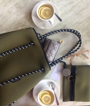 @pentagon.asia provides functional, lightweight & washable bags made from diving cloth material & sailor rope. Perfect for work, play, gym, college, groceries...whatever your heart desires as it is versatile. Mine is from their Urban Collection and the shade I have is Sage Green. • • #MyRomana #Clozette #PRGifted #ptgspotted #pentagonsquad