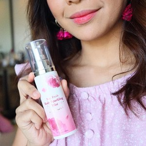 For that fresh scent that lasts long! 💕  This @altheakorea Stay Fresh Body Sparkling Mist is a mix of citrus/fruity (sweet orange & peach) and rosy floral notes.  It also makes you feel refreshed in every spray, lightweight, and gentle (helps soothe the skin!) I spray it on my hair too 💁🏻‍♀️ Do you like feminine scents for perfume?  Me, I prefer musky esp on special events, but this one is good for everyday! Great value for money too for only 450 pesos on #altheakorea website!