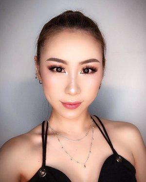 "Halp!!!! I am getting fatter before CNY start 🤦🏼♀️ ""Issit because I'm chinese?"" 😂😂😂 Stop this joke alr. I cannot 🤭 . . . #ladies_journal #makeup #beauty #kmakeup #selfie #clozette #clozetteid #makeupartist #mua #makeuptransformation #glammakeup #asianmakeup #asiangirls #asianbabes"