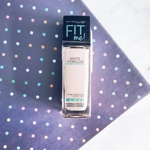 Matte foundation: suited for oily skin in the warm weather  #clozette #clozetteid #beauty #beautyblog #igbeauty #bblogger #bbloggers #blogger #instablogger #instablog #beautyaddict #cosmetics #clozettedaily #clozetteinsider #clozetteco #clozettesg #flatlay #maybellinefitmefoundation #maybelline