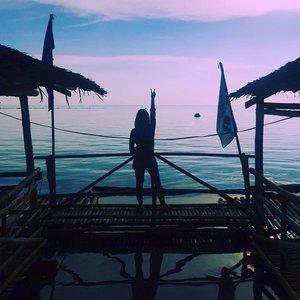 ✌ #floatingrestaurant #leyte #vacation #vacationmode #unwind #relax #leyte #break #destress #bythesea #clozette #silhouette #travel #travelphotography #photooftheday #travelmore #instatravel #travelgram #tourist #trip #travels #traveling #tour #vacay #summer #summervacation #summerbreak #nowork #laborday