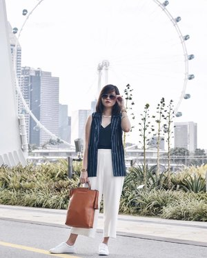 Wearing @shopsassydream Stripe Pocket Vest In Navy 😍! I can foresee myself pairing and wearing this with so many outfits! Vests are the best fashion staples to dress up your basics ❤️ #shopsassydream #SSDgurls #clozette #ootd #cassanadverts