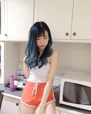 Kangen rambut warna tosca begini 😭 . . . . . . .  #tb #hair #hairdiaries #clozette #clozetteid #beautynesiamember #bloggirlsid #cleosg