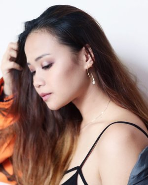 Earrings by @envielabel .  Photography & Make-Up by @darylgallery @_darylxtan_ .  #potd #envielabel #envielabelearrings #potd #clozette #earrings #supportlocal #midweek
