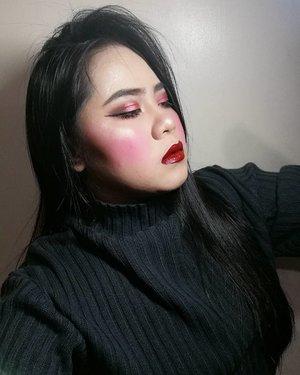my gloss is poppin'  my go-to gloss of all time @callicosmetics Lip & Cheek Serum in Milan  #makeup #makeupph #detailmakeover #sweaterweather #red #gloss #juicy #juicylips  #liquidlipstick #highlighy #eyebrowsonfleek #eyebrow #brows #undiscovered_muas #muaph #clozette #makeuploverph #makeuplover #makeupideas #makeuplife #vicecosmetics #fairycosmeticsph #carelune #wetlook #wetnwild #yuh #tumblr #aesthetics #arianagrande #nails