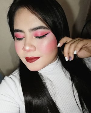 Coral & Sparkles  PRODUCTS USED: @carelineph Blur Stick, Graph-Ink Liner @wetnwildphilippines ColorIcon Brow Pencil in Black @everbilenaofficial Pro Cheek Set, All Day Liquid Foundation in Porcelain @shawillcosmeticsph Ultra Thick Mascara @vicecosmeticsph Aura Blush in Manyika, Aura Glow in Splendid @fairycosmeticsph Fairy Mousse Paint in Truffles @ilovesassycolors MyPosh Face Powder in Oriental  #makeup #makeupph #makeupideas #makeupgoals #aura #auraglow #vicecosmetics #everbilena #ebbeauties #ebadvance #carelinegang #carelineph #wetlook #wetnwild #nails #burgundy #coral #highlight #highlighter #makeuplife #mlbb #clozette #wingedliner #lashes #brows #makeupvideos #art #mood #aesthetics #tumblr