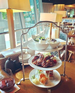 Afternoon Japanese Hi-Tea set with Sangria on a lazy Sunday afternoon...#snack #dessert #sushi #hiteatime