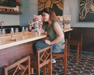 Getting my daily dose of coffee at the newest branch of #HighlandsCoffeePH. I'm totally lovin' the traditional Vietnamese coffee. 👌 #SpottedPhilippines #Clozette